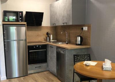 1 bedroom apartment kitchen